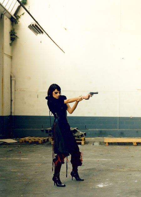 http://wedz.free.fr/sophiehallier/files/gimgs/25_gun-double-bennoirt-p2-copy.jpg