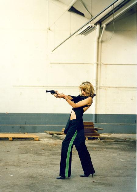 http://wedz.free.fr/sophiehallier/files/gimgs/25_gun-double-bennoirt-p3-copy.jpg